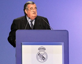 Real Madrid nhúng tay vào vụ FIFA trừng phạt Barca?