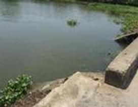 Hai trẻ chết đuối thương tâm khi đi tắm sông