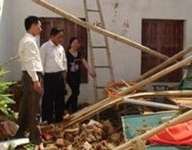 Thanh Hóa: Mưa đá, gió lốc thổi bay nhiều mái nhà của giáo viên