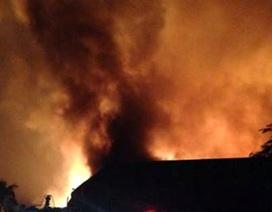 Hà Nội: Cháy lớn trong khu công nghiệp Quang Minh