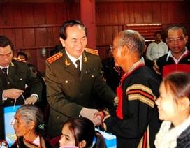 Bộ trưởng Bộ Công an thăm đồng bào nghèo Tây Nguyên