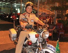 CSGT bắt tên cướp tài sản du khách nước ngoài giữa Sài Gòn