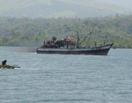 """""""Vụ tàu Trung Quốc đâm tàu Philippines là tai nạn"""""""