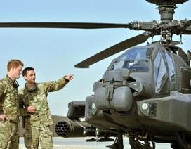 Hoàng tử Harry tới Afghanistan lái trực thăng chiến đấu