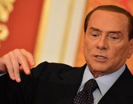 Cựu Thủ tướng Berlusconi dọa hạ bệ chính phủ Italia