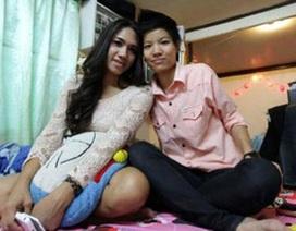 Cặp đôi chồng là phụ nữ, vợ là đàn ông gây xôn xao ở Thái Lan