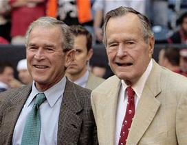 """Cựu Tổng thống Bush """"cha"""" nhập viện"""