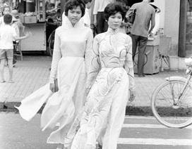 Tà áo dài trên đường phố Sài Gòn nửa thế kỷ trước