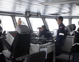 Philippines giữ 18 thủy thủ Việt trên tàu mắc cạn