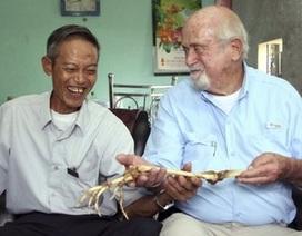 Bác sỹ Mỹ trả lại xương cánh tay cho người lính Việt sau 47 năm