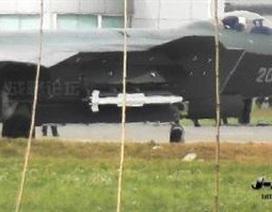 Phát hiện tên lửa bí ẩn trên chiến đấu cơ tàng hình Trung Quốc