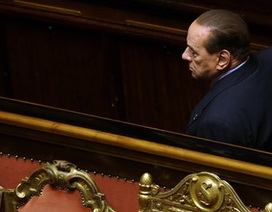 """Cựu Thủ tướng Berlusconi đối mặt nguy cơ bị """"đuổi"""" khỏi quốc hội"""
