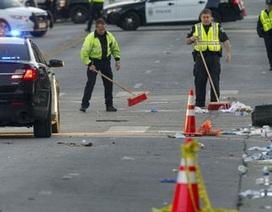 """Mỹ: Xe """"điên"""" lao vào lễ hội, 2 người chết, 23 người bị thương"""