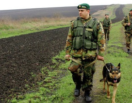 Ukraine đóng cửa biên giới với Crimea