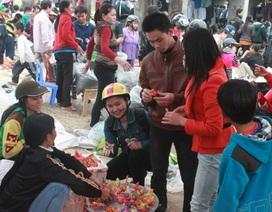 """Chen chân đi chợ phiên """"thuần quê"""" cuối năm"""