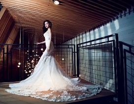 Hồ Ngọc Hà lộng lẫy với váy cưới