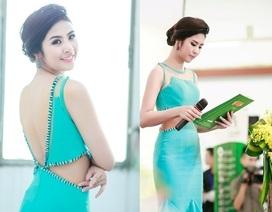 Hoa hậu Ngọc Hân duyên dáng làm MC