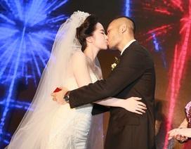 Quỳnh Nga - Doãn Tuấn hôn nhau say đắm trong tiệc cưới sang trọng