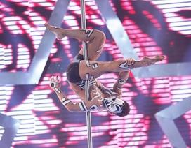 """Chàng trai múa cột """"nghẹt thở"""" tiến vào chung kết Vietnam's got talent"""
