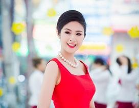 Hoa hậu Ngọc Hân quyến rũ trong sắc đỏ