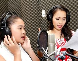 Quán quân Giọng hát Việt nhí Thiện Nhân khóc trong phòng thu