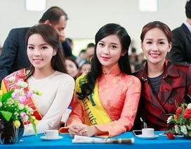 Hoa hậu Kỳ Duyên cùng đàn chị Mai Phương Thúy rủ nhau làm từ thiện