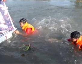 Bơi 9km dọc kênh Nhiêu Lộc kêu gọi bảo vệ dòng kênh