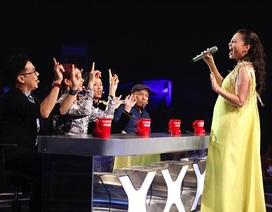 """Bầu bí nặng nề, Thu Minh vẫn hát """"cực sung"""" trên sân khấu"""