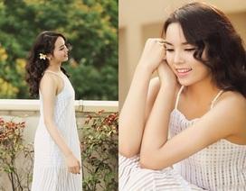 Hoa hậu Kỳ Duyên xinh lung linh trong ngày nắng mới