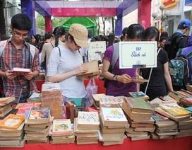 """Rộn ràng """"Ngày sách Việt Nam"""" lần 2 tại TPHCM"""