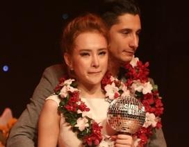 Angela Phương Trinh khóc khi về nhì Bước nhảy hoàn vũ 2015