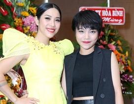 Quán quân - Á quân Giọng hát Việt 2013 thân thiết bên nhau