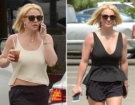 Britney Spears diện quần short khoe chân thon