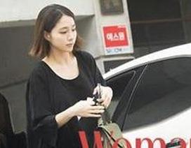 Vợ Lee Byung Hun lần đầu tái xuất sau khi sinh