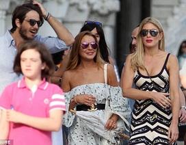 Lindsay Lohan già nua dạo phố