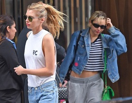 Miley Cyrus bị bắt gặp rời khách sạn cùng bạn gái