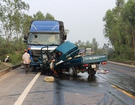 Hai xe tải đối đầu, 2 người chết thảm trong cabin