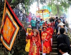 Lễ hội Điện Hòn Chén thu hút hàng vạn người dân thập phương