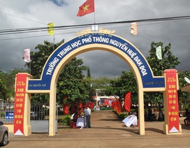 Bắt 3 đối tượng chém học sinh chụp ảnh ở cổng trường