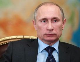 Fitch đánh tụt điểm tín nhiệm của Nga