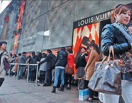 """Vì sao nhà giàu Trung Quốc """"ghẻ lạnh"""" với túi xách Louis Vuitton"""