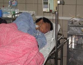 Giận chồng, mẹ ép con 11 tháng uống thuốc diệt cỏ tự tử