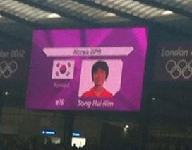Tuyển nữ CHDCND Triều Tiên từ chối ra sân vì nhầm quốc kỳ Hàn Quốc