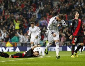 """Real Madrid dễ dàng """"vượt ải"""" Rayo Vallecano"""