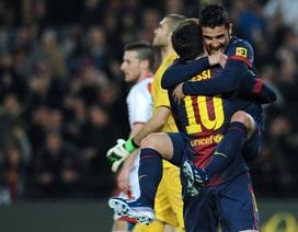 Messi-Villa chói sáng, Barcelona vững ngôi đầu bảng