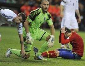 Tây Ban Nha bị Pháp soán ngôi đầu bảng