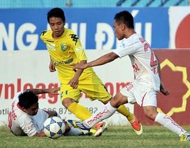 Đánh bại V. Ninh Bình, Hà Nội T&T lên ngôi đầu bảng