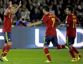 Đánh bại Phần Lan, Tây Ban Nha vững ngôi đầu bảng
