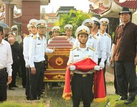 Linh cữu Trung úy Đinh Văn Nam đã về với quê nhà