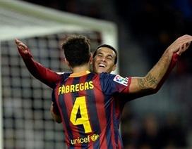 """""""Vùi dập"""" Granada, Barcelona vững ngôi đầu bảng"""